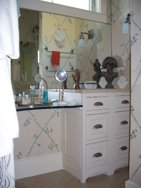 Custom White Bathroom Cabinets and Vanity