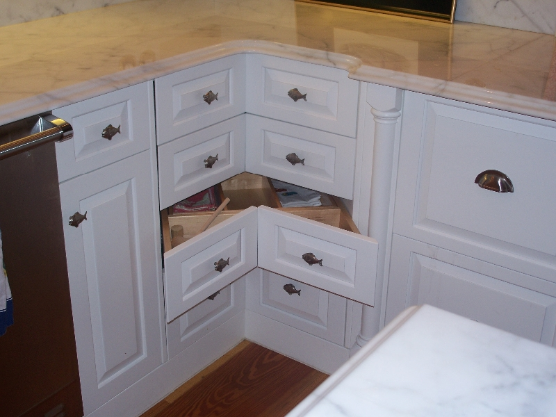Custom Made White Kitchen Cabinets & Storage