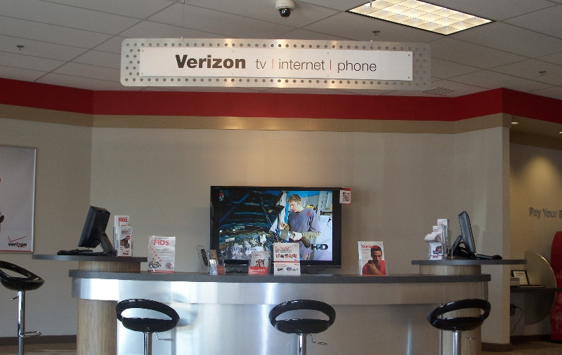 Commercial Verizon Store Woodwork